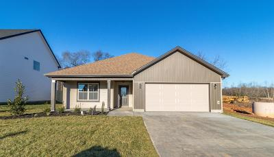 Clarksville Single Family Home For Sale: 1115 Eagles View Drive