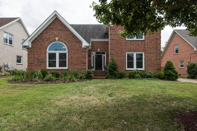 Franklin Single Family Home Under Contract - Showing: 410 Royal Crossing