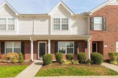 Nashville Condo/Townhouse For Sale: 247 Buck Run Dr #247