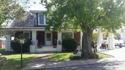 Cowan Single Family Home For Sale: 402 Montgomery St