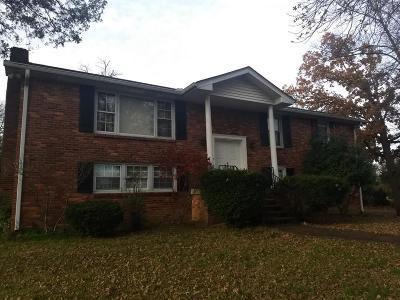 Brentwood, Franklin, Nashville, Nolensville, Old Hickory, Whites Creek, Burns, Charlotte, Dickson Single Family Home For Sale: 207 Sailboat Dr