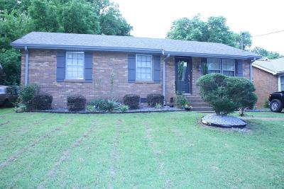 Nashville Single Family Home Under Contract - Showing: 2412 Vaulx Ln