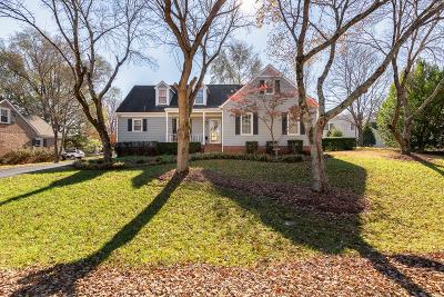 Franklin  Single Family Home For Sale: 105 Riverwood Dr