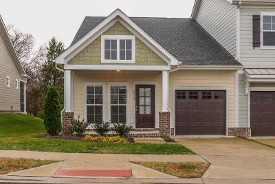 Franklin Single Family Home Under Contract - Showing: 2028 Gracious Dr