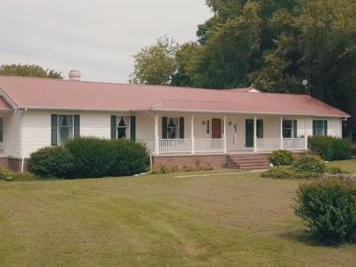 Christian County Single Family Home For Sale: 14812 Newstead Rd