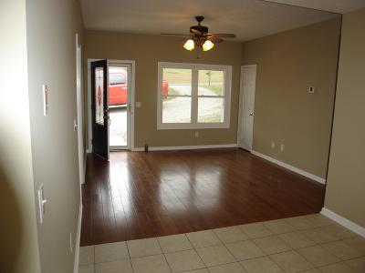 Springfield Single Family Home Under Contract - Showing: 101 Elder Dr