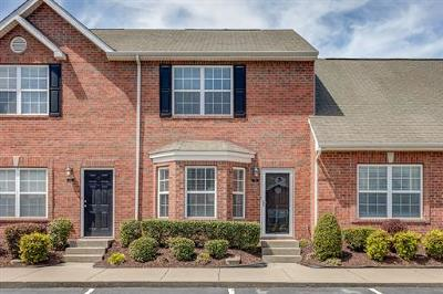 Franklin Condo/Townhouse Under Contract - Showing: 1101 Downs Blvd Unit 220