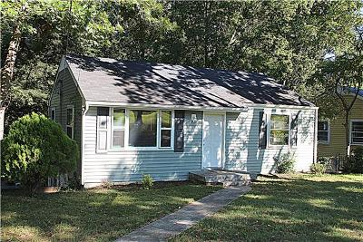 Single Family Home For Sale: 705 Braidwood Dr
