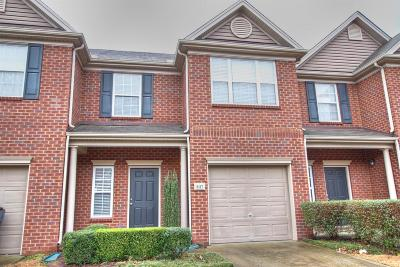 Brentwood Condo/Townhouse For Sale: 8117 Valley Oak Dr