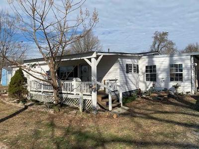 Bradyville Single Family Home For Sale: 361 Preacher Spry Rd