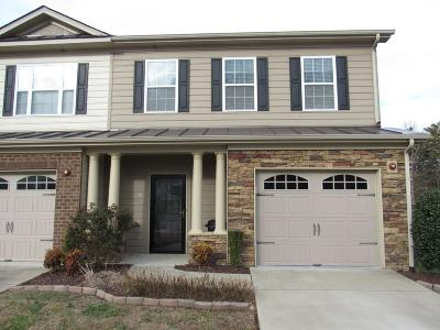 Hendersonville Condo/Townhouse For Sale: 140 Cattail Ln