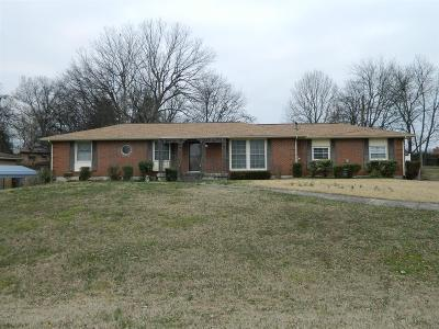 Sumner County Single Family Home For Sale: 105 Dolphus Dr