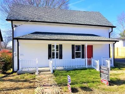 Watertown Single Family Home For Sale: 140 Church Ave