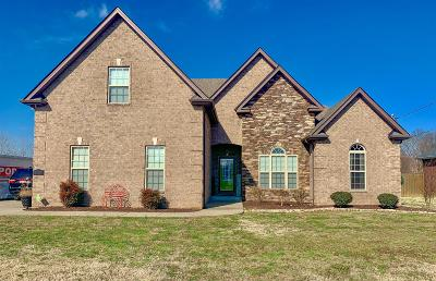 Smyrna Single Family Home Under Contract - Showing: 817 Stewart Valley Drive