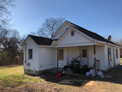 Lebanon Single Family Home For Sale: 708 Hartsville Pike