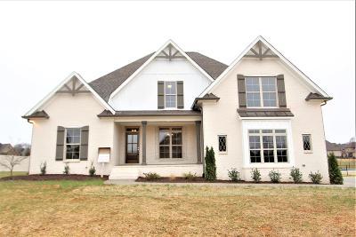 Lebanon Single Family Home For Sale: 136 Springfield Dr. #140