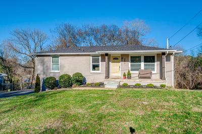 Nashville Single Family Home For Sale: 492 Westcrest Dr