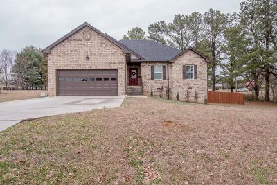 White House Single Family Home Under Contract - Showing: 406 Hobbs Dr