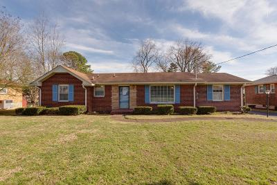 Old Hickory Single Family Home Under Contract - Showing: 105 Newport Dr