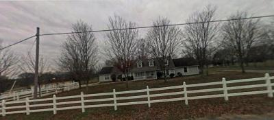 Lebanon Single Family Home Under Contract - Showing: 8560 Coles Ferry Pike
