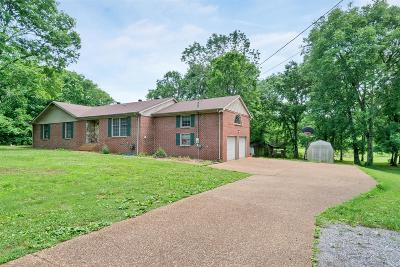 Mount Juliet Single Family Home For Sale: 484 Posey Hill Rd
