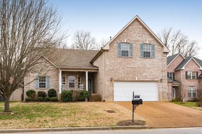Nashville Single Family Home For Sale: 961 Century Oak Dr