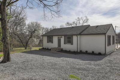 Nashville Single Family Home For Sale: 114 Dodge Dr