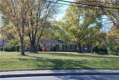 Brentwood  Single Family Home For Sale: 717 Old Hickory Blvd