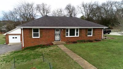 Goodlettsville Single Family Home For Sale: 504 Elba Dr