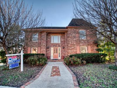 Hendersonville Single Family Home For Sale: 102 Governors Point Blvd