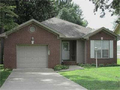 Christian County Single Family Home For Sale: 2717 Cayce Meade Dr