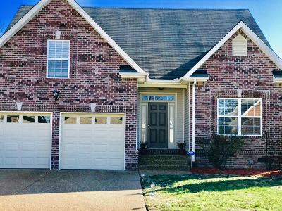Spring Hill  Single Family Home Under Contract - Showing: 1065 Golf View Way