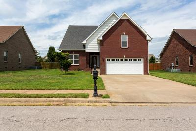 Clarksville Single Family Home For Sale: 1173 Country Fields Ln