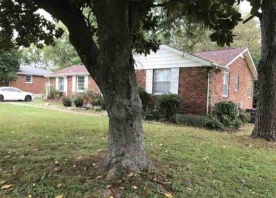 Nashville Single Family Home For Sale: 1933 Berkshire Dr