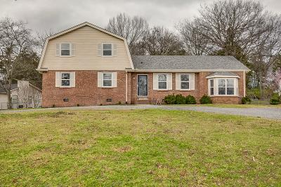 Nolensville Single Family Home For Sale: 923 Timberside Dr