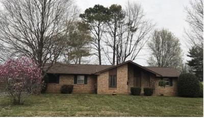 Hendersonville Single Family Home For Sale: 120 Connie Dr