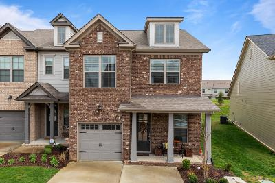 Thompsons Station Condo/Townhouse Under Contract - Showing: 1631 Hampshire Pl