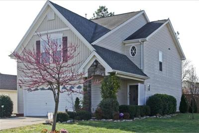 Spring Hill TN Single Family Home Under Contract - Showing: $275,000