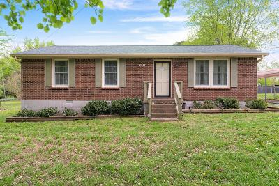 Greenbrier Single Family Home Under Contract - Showing: 2147 Old Greenbrier Pike