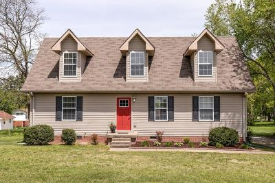 White House Single Family Home Active Under Contract: 207 Elementary Dr