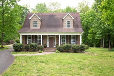 Robertson County Single Family Home Under Contract - Showing: 2076 Linnwood Way