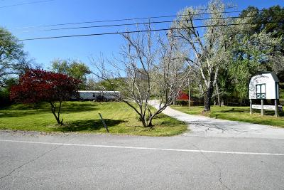 Lawrenceburg Single Family Home For Sale: 422 Powdermill Hill Rd