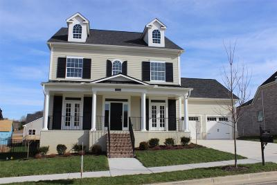 Franklin Single Family Home Under Contract - Showing: 5013 Farmhouse Drive 98