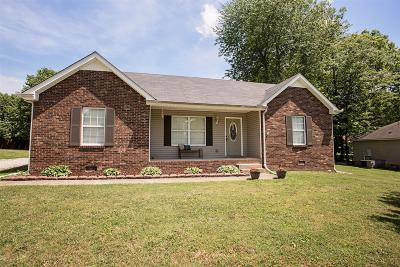 Robertson County Single Family Home Under Contract - Showing: 778 Hunters Crossing Ln