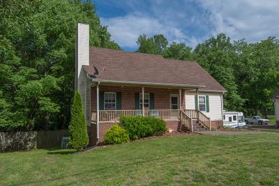White House Single Family Home Active Under Contract: 108 Lone Oak Dr