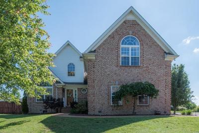 Mount Juliet Single Family Home Under Contract - Showing: 1016 Oakhall Dr