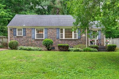 Nashville Single Family Home For Sale: 3621 Valley Vista Rd