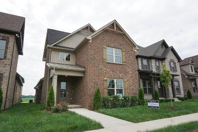 Gallatin Single Family Home For Sale: 1068 Ambling Way Lt 164
