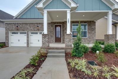 Hendersonville Single Family Home For Sale: 114 Kinsley Way #355