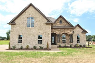 Lebanon Single Family Home For Sale: 50 Cherokee Dock Rd. #15-C